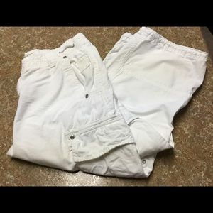 Maurice's White Cargo Capris Size 5/6